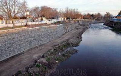 Olavarría: Realizan mediciones en el arroyo Tapalqué