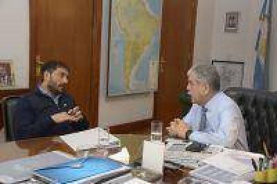 El ministro De Vido recibió a intendentes bonaerenses