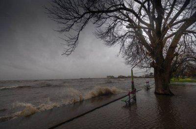 Se renovaron los alertas por vientos del sudeste, lluvias y tormentas
