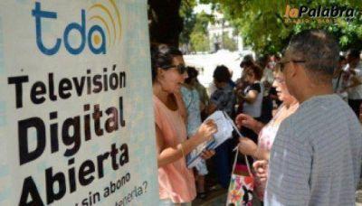 ARSAT Satelital recepcionó pedidos de antenas y decodificadores en Villalonga