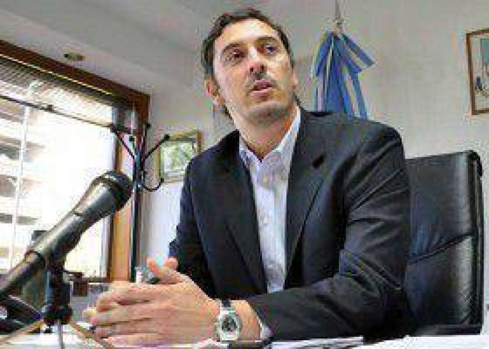 Contardi afirma que está en el podio capitalino