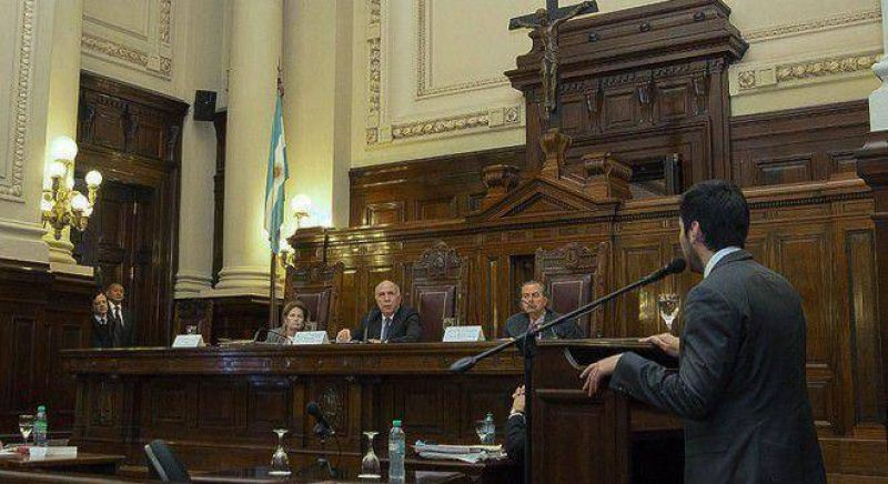 La Corte se inclina por permitir la sindicalización de los policías