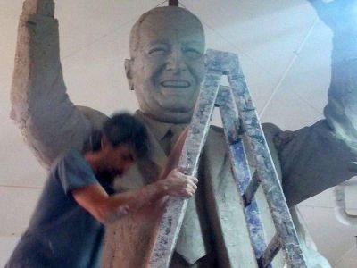 Ya está listo el primer monumento a Perón en la Ciudad