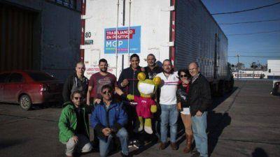 Parti� el primer cami�n con donaciones para los inundados