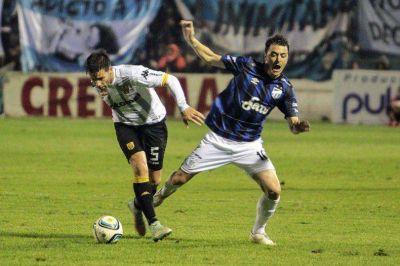 Santamarina no hizo pie en Tucumán y quedó a siete de la punta