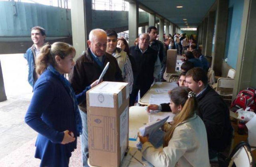 En los comicios del domingo, más de 14.000 tucumanos buscarán llegar al cargo de concejal