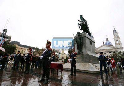 Se realizó un escueto acto en homenaje a San Martín