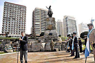 El intendente Pulti destacó la figura del general San Martín