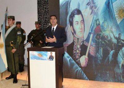 """Capitanich encabezó el acto homenaje al Padre de la Patria: """"San Martín es nuestro prócer mayor"""