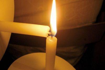 Más de quince barrios seguían ayer sin energía eléctrica