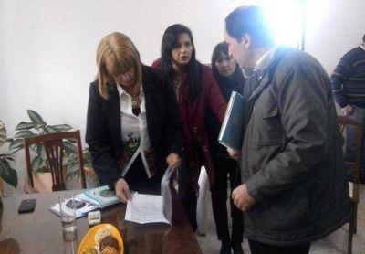 Entregaron un petitorio al gobierno para que garantice el derecho a la educación