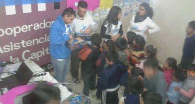 Militantes de la JP Salta realizaron agasajos por el Día del Niño