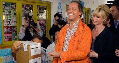 Scioli marcha hacia octubre con la prensa en contra