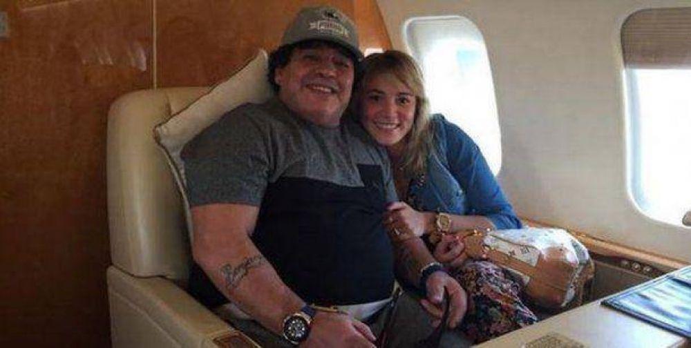 Rocío Oliva viajó a Dubai ¿embarazada de Maradona?