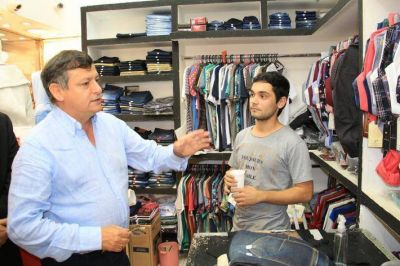 "Peppo en Galeria Alberdi: ""Me comprometo a fortalecer la industria textil"""