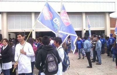 Capitanich le oculta el conflicto a Sileoni, dice Federación Sitech