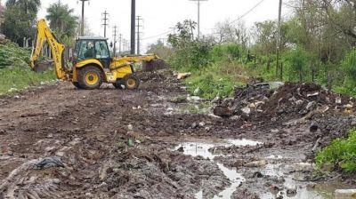 Vialidad Provincial limpi� basural en Villa Rio Negro y enripi� la calle Andreani