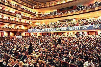 Más de 2.500 alumnos participaron del Parlamento Juvenil del Mercosur