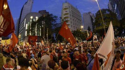 El oficialismo de Brasil sacó su gente a la calle en apoyo a Dilma