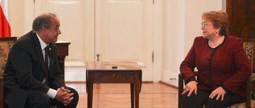 La presidenta de Chile, Michelle Bachelet, recibió al Director Mundial de Scholas en el Palacio de la Moneda en audiencia privada