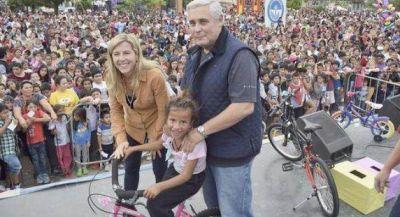 El Municipio agasajó a miles de niños con una mega fiesta
