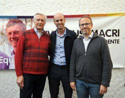 Valenzuela presentó detalles del Metrobus Ruta 8 junto a Dietrich e Ivoskus