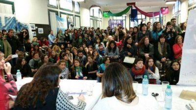 Militantes kirchneristas se reunieron de cara al Encuentro Nacional de Mujeres