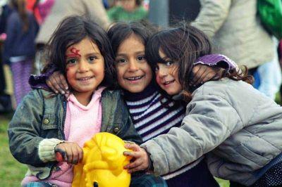 Más de 500 chicos y chicas festejaron el día de los niños en Movediza