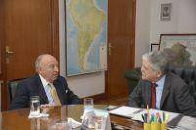 El ministro De Vido y el presidente de la CAF repasaron la cartera de créditos en el país