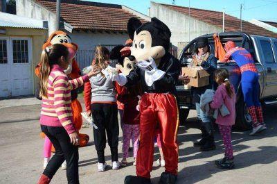 La Juventud Peronista festejó el día del Niño recorriendo barrios