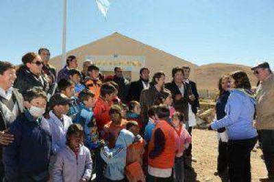 La Gobernadora inauguró dos nuevas escuelas a 4000 metros de altura