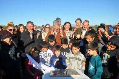 Villa General Roca: inauguraron la ampliación de la red cloacal y la refacción del sistema de agua potable