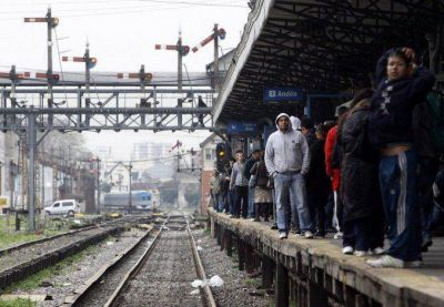 Se levantó el paro y este miércoles los trenes circulan con normalidad