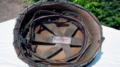 Un veterano de Malvinas encontró su casco de la guerra: lo tiene un coleccionista en Inglaterra