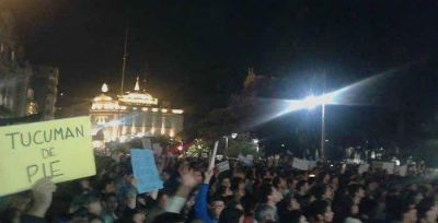 Marcha en Plaza Independencia: Tres polic�as resultaron heridos