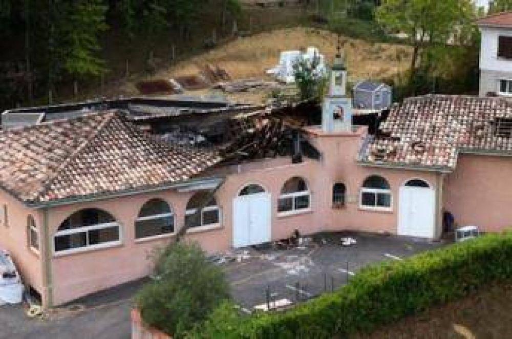 Confirman el origen criminal del incendio de una mezquita en Francia