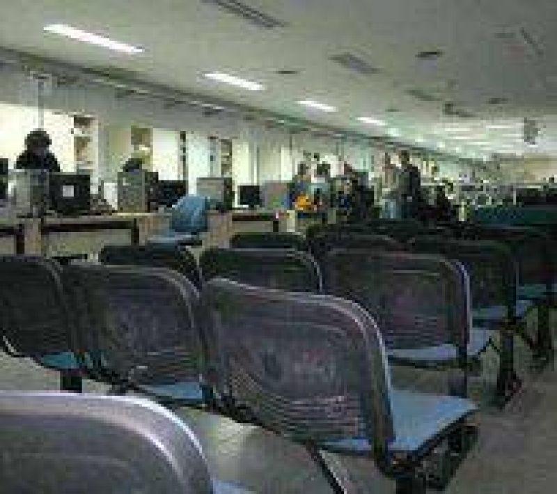 Trabajadores de ANSES realizan medida de fuerza