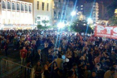 Con menos convocatoria, se realizó una nueva marcha en el centro de Tucumán