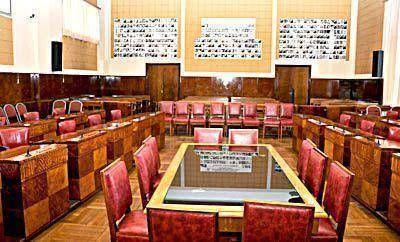El Concejo, a la espera de los temas importantes para convocar a sesión