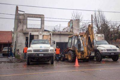 El Municipio realiz� tareas de limpieza en locales abandonados en avenida Jara