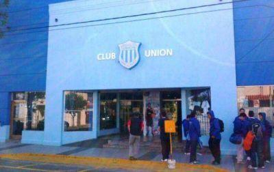 Unión de Mar del Plata: Montina reconoció que dio un paso al costado porque no cobra desde hace cuatro meses