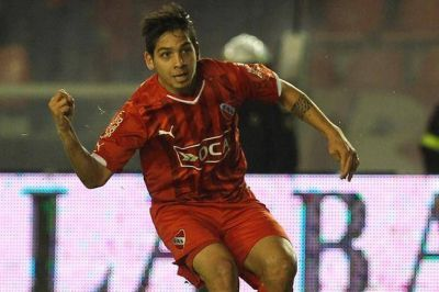 Independiente, con gol de Vitale, rescató un empate 1-1 frente a Arsenal