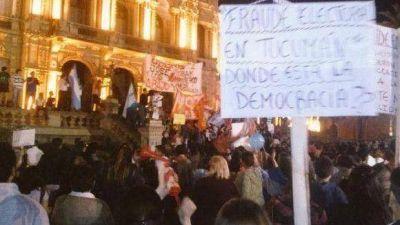 Por tercer dia consecutivo una plaza colmada reclama transparencia en los comicios y repudia la represi�n policial