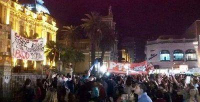 Tercera marcha consecutiva frente a Casa de Gobierno
