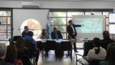 La Plata: Entregan botón antipánico y refuerzan vigilancia en farmacias