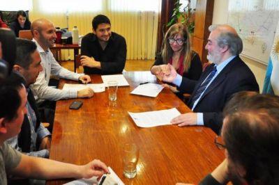 El Gobierno firmó un acuerdo con los docentes para llevar la Zona Patagónica al 80%