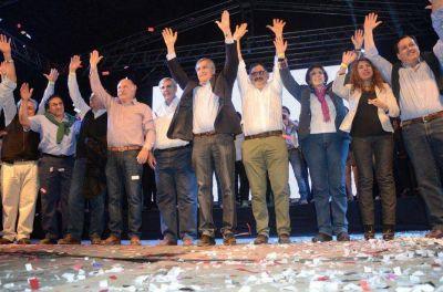Morales presentó su candidatura a gobernador