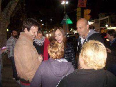 María Eugenia Vidal y Martiniano fueron en tren de Quilmes a Bernal