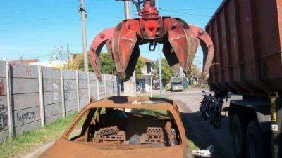 La Municipalidad retiró más de 2.000 vehículos abandonados de la vía pública
