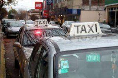 La bajada de bandera de taxis será de 13 pesos